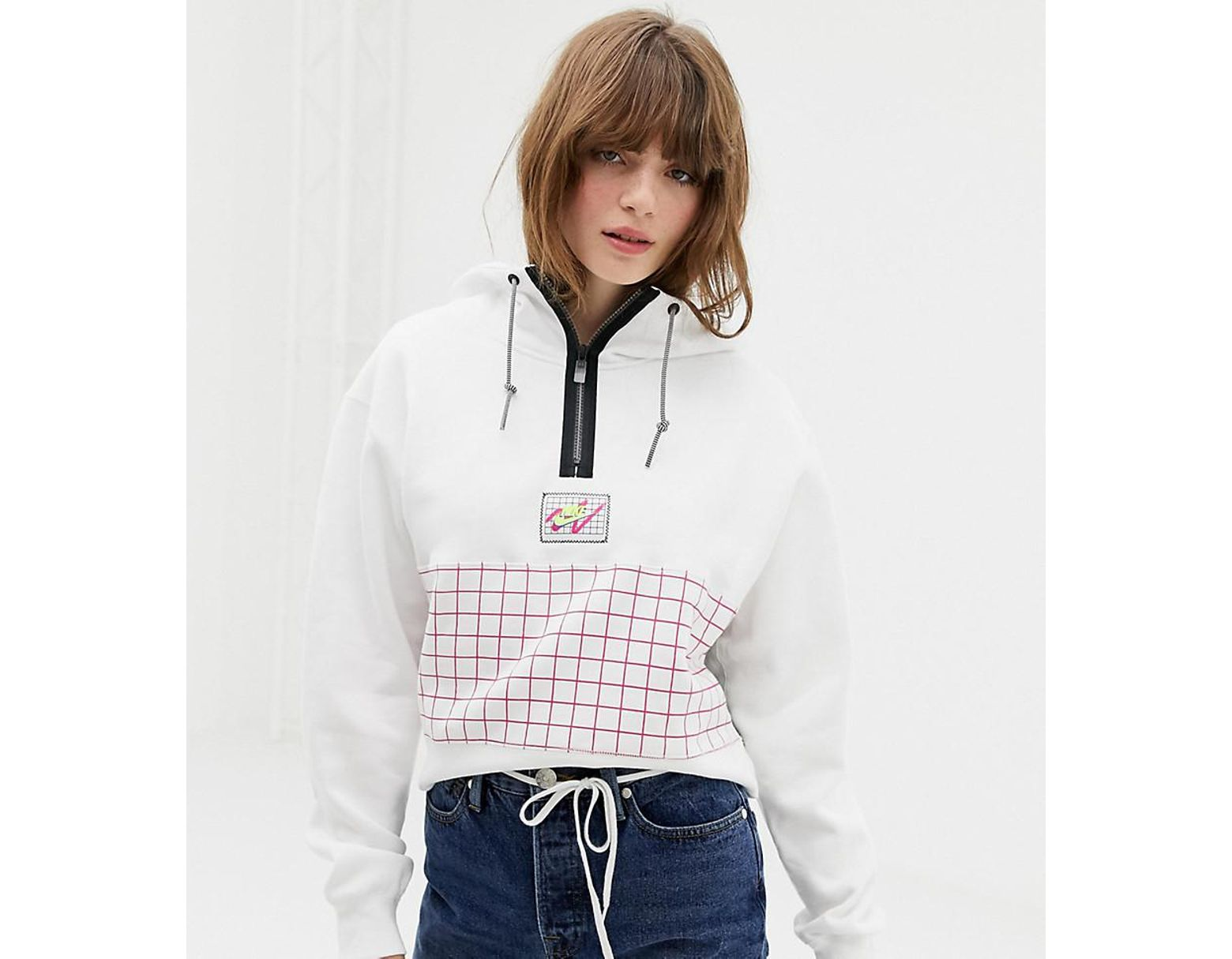 ee8116ab199b Nike Archive White Graphic Cropped Hoodie in White - Save 25% - Lyst