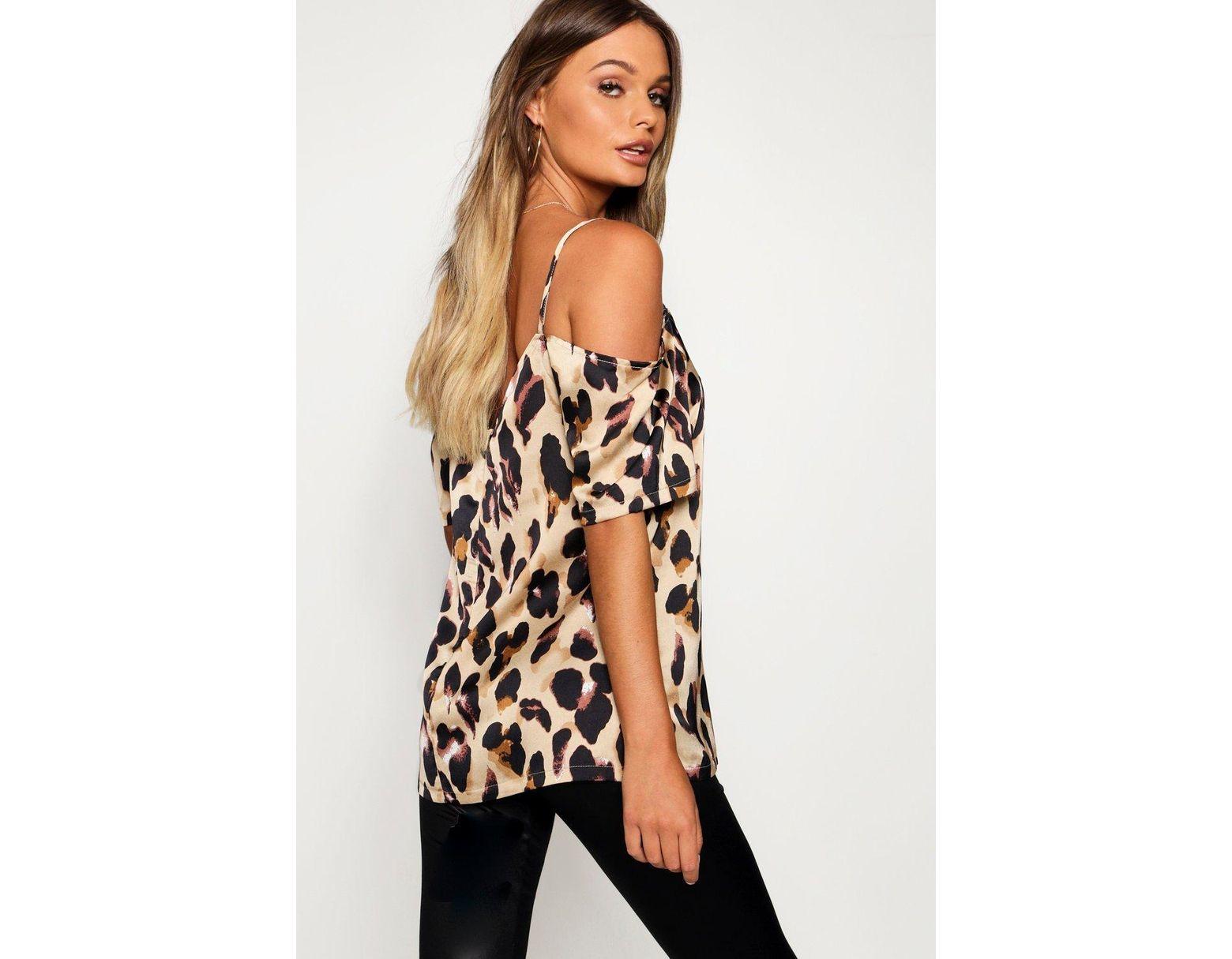 e1b13563bd0 Boohoo Leopard Print Woven Cold Shoulder Top - Lyst