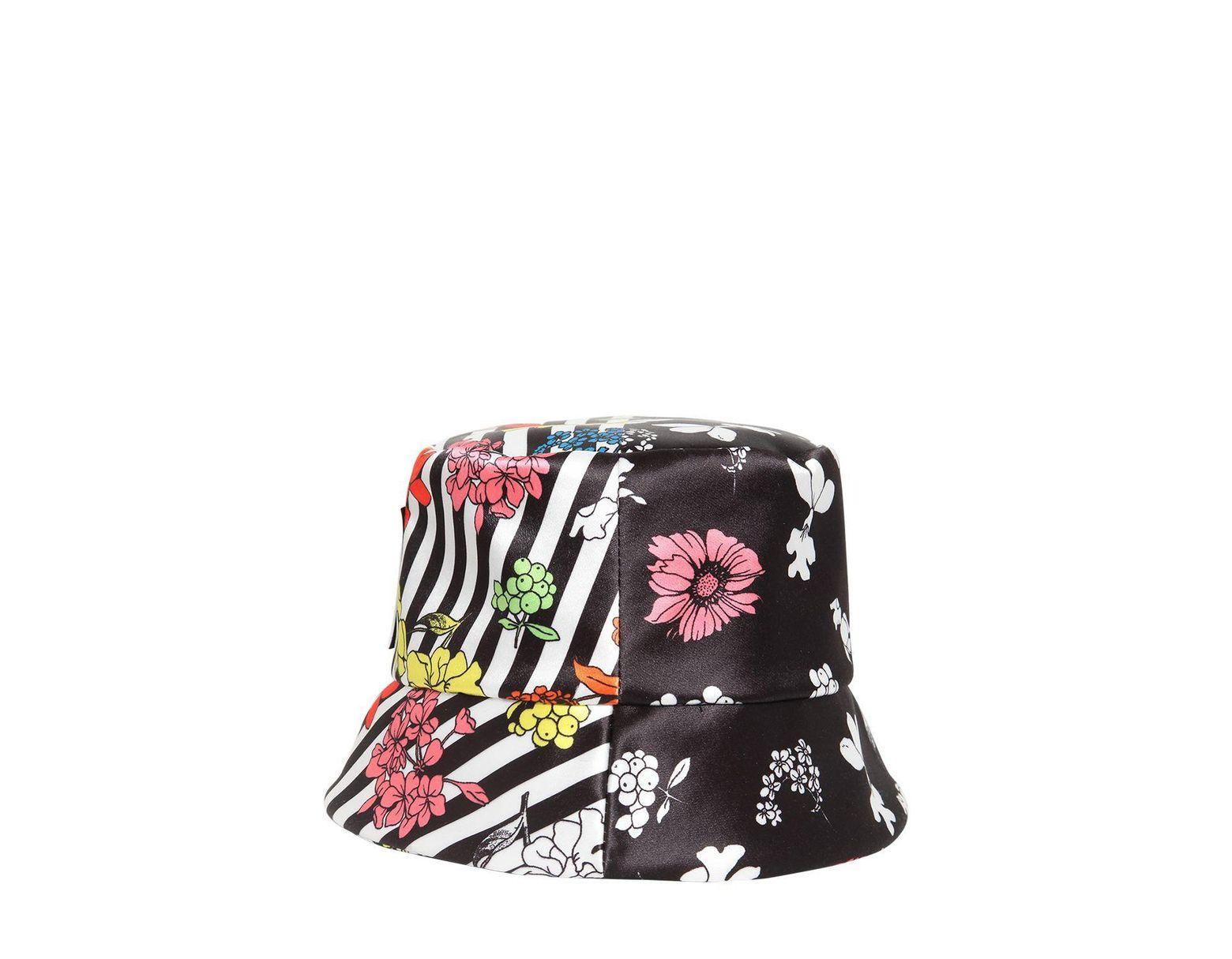 f381080865a74 Versace Logo Printed Bucket Hat - Lyst