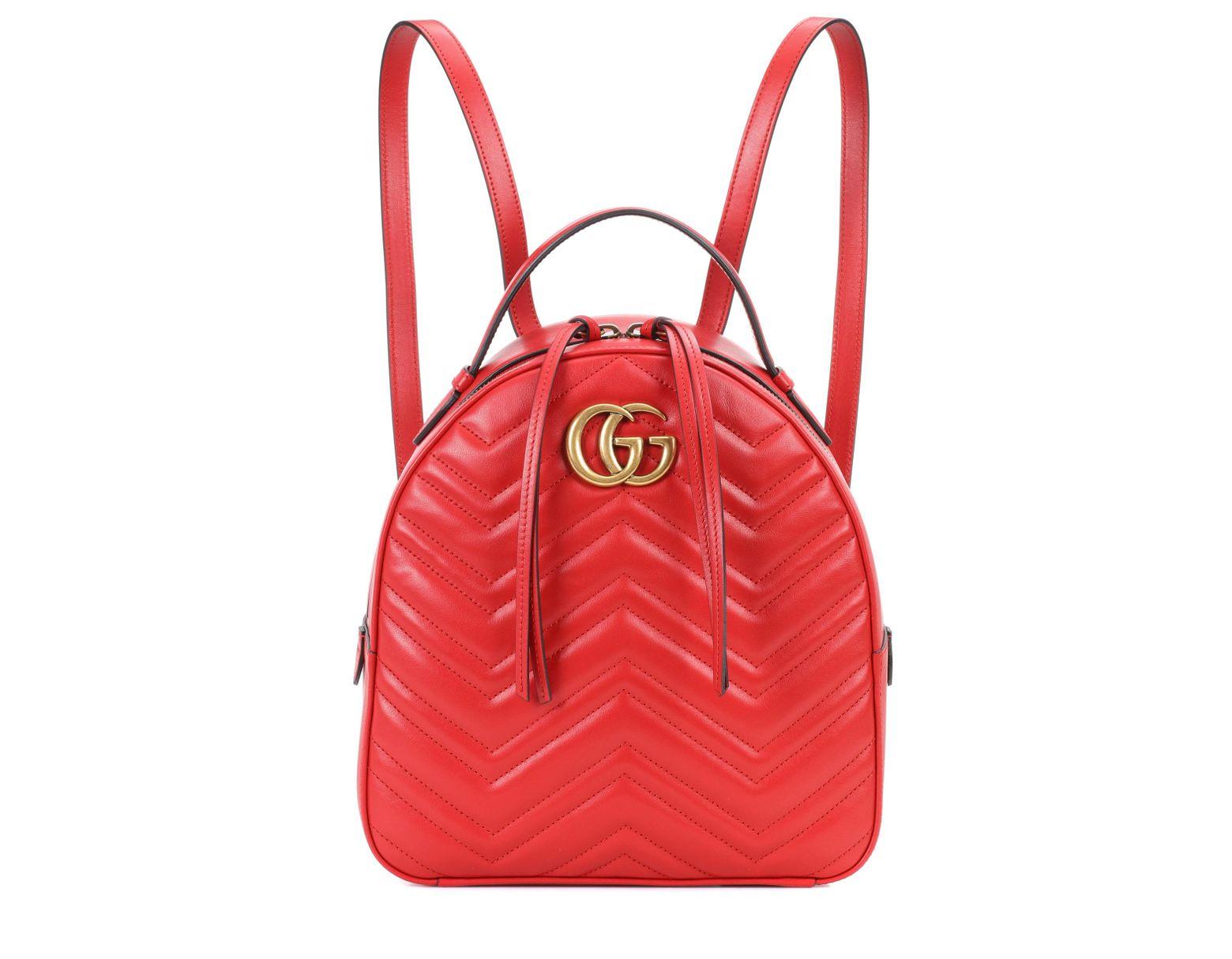e75f24372a Sac à dos en cuir matelassé GG Marmont Gucci en coloris Rouge - Lyst