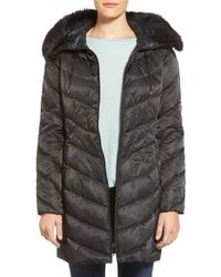 Vince Camuto | Black Lightweight Down Coat With Faux Fur Trim | Lyst