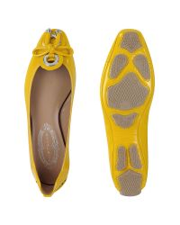 Elie Tahari | Janine Driver - Yellow Patent Ballerina Shoes | Lyst