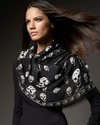 Alexander McQueen - Black Classic Pashmina Skull Scarf - Lyst