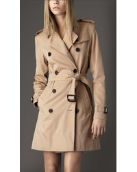 Burberry | Natural Short Gabardine Trench Coat | Lyst