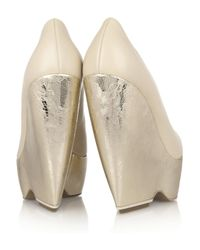 Nicholas Kirkwood - Natural Leather and Metallic Leather Wedge Pumps - Lyst
