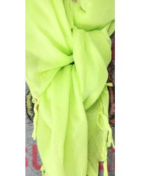 Love Quotes - Green Knotted Tassel Scarf - Lyst