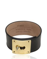 Fendi | Black Logo Plaque Leather Bracelet | Lyst