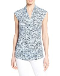 Vince Camuto - Gray Print Side Ruched V-neck Top - Lyst