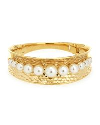 Majorica | Metallic White Round Pearl Gold Hammered Bangle | Lyst