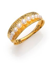 Majorica | Metallic 7mm-10mm White Pearl Hammered Bangle Bracelet | Lyst
