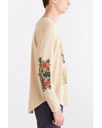 Urban Outfitters - Natural Guns N' Roses Curved Hem Long-Sleeve Tee for Men - Lyst