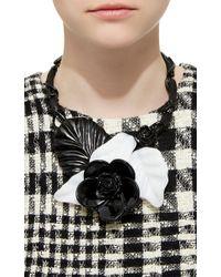 Oscar de la Renta | Black And White Resin Flower Necklace | Lyst