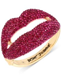 Betsey Johnson | Metallic Gold-tone Pavé Vampire Lips Hinged Bangle Bracelet | Lyst