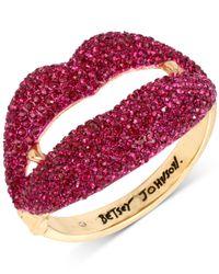 Betsey Johnson - Metallic Gold-tone Pavé Vampire Lips Hinged Bangle Bracelet - Lyst