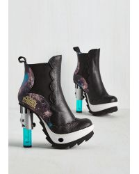 Irregular Choice - Black Duel Of The Feets Bootie - Lyst
