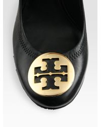 Tory Burch | Black Sophie Leather Logo Wedge Pumps | Lyst