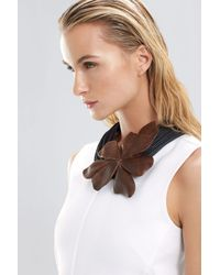 Natori | Natural Acacia Wood Floral Necklace | Lyst