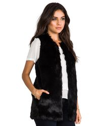 Juicy Couture - Bear Faux Fur Vest in Black - Lyst