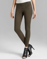 Hue - Green Ultra Suede Leggings - Lyst