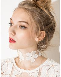 Pixie Market - White Daisy Choker - Lyst