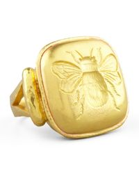 Elizabeth Locke | Metallic 19k Gold Bee Cushion Ring | Lyst
