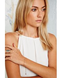 Urban Outfitters - Metallic Arrow Hand Chain in Gold - Lyst