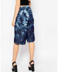 Motel - Blue Dude Knee Length Shorts In Jumputan Denim Bleach Print - Lyst