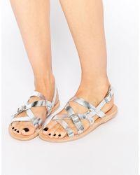 H by Hudson | Metallic Anita Silver Leather Flat Sandals | Lyst