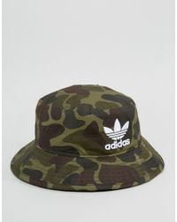 bd957266 adidas Originals Bucket Hat In Camo Bk7618 in Green for Men - Lyst
