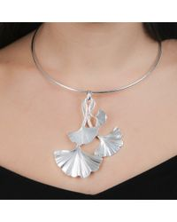Black.co.uk | Metallic Lily Silver Plated Leaf Pendant Choker | Lyst
