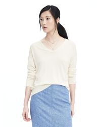 Banana Republic | White Silk Cashmere Relaxed Vee Neck Pullover | Lyst