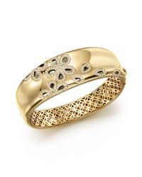 Roberto Coin | Metallic 18k Yellow Gold Fantasia Diamond Daisy Bangle | Lyst