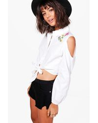 Boohoo - White Faye Embroidered Cold Shoulder Cropped Shirt - Lyst