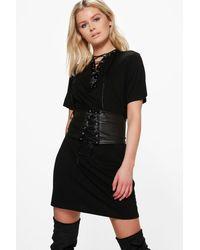 4df482c1d7a5 Boohoo Mya Lace Up Corset Belt 2 In 1 T-shirt Dress in Black - Lyst