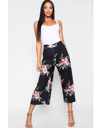 6e9ce1dd084 Boohoo Woven Floral Wide Leg Culottes in Black - Lyst