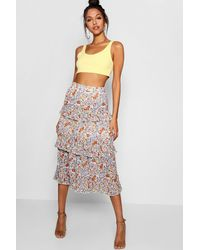 36c4b0204c3e Boohoo Woven Floral Tiered Chiffon Maxi Skirt in White - Lyst