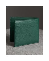 Burberry - Green Grainy Leather International Bifold Wallet for Men - Lyst
