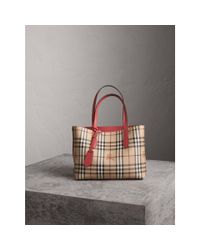 Burberry - The Medium Reversible Tote In Haymarket Check And Leather Coral Red - Lyst