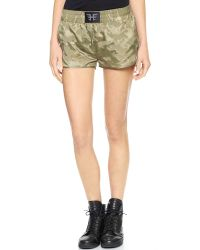 Heroine Sport | Green Training Shorts - Camo | Lyst