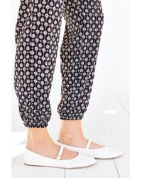 Urban Outfitters - White Holly Flat - Lyst