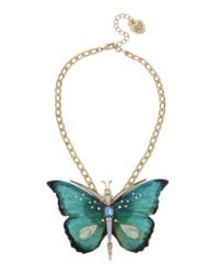 Betsey Johnson | Green Butterfly Statement Pendant Necklace | Lyst