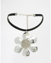 ASOS - Metallic Big Daisy Choker Necklace - Lyst