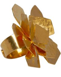 Herve Van Der Straeten - Metallic Goldplated Flower Petal Ring - Lyst