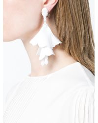 Oscar de la Renta - White Impatiens Flower Drop Clip-on Earrings - Lyst