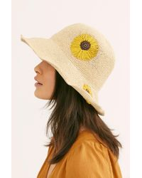 Free People - Natural Daisy Embroidered Straw Bucket Hat - Lyst