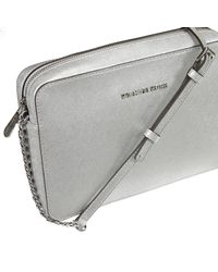 Michael Kors - Gray Borsa Mini Jet Set Travel Large Ew Crossbody Saffiano Metallizato - Lyst