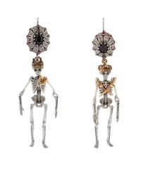 Alexander McQueen - Metallic King And Queen Skeleton Earrings, Gold, One Size - Lyst