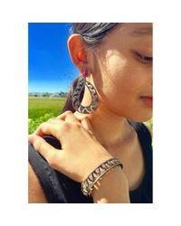 Meghna Jewels - Metallic Claw Gold And Black Bangle - Lyst