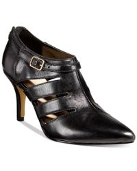 Bella Vita | Black Dylan Pumps | Lyst