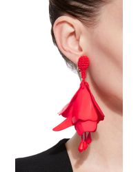 Oscar de la Renta - Red Impatiens Resin Clip Earrings - Lyst